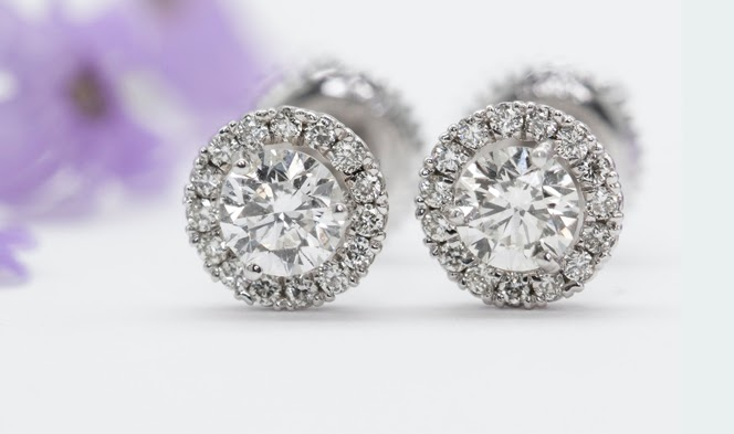 Why You Should Take Your Diamond Jewelry Business Online?1