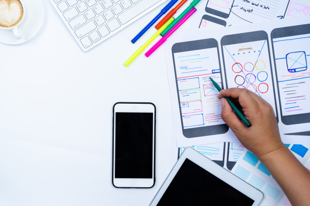 eCommerce Store vs Mobile App